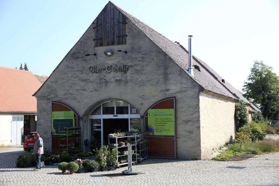 Der Vorbesitzer der Scheune betrieb hier früher einen Getränkehandel. Doch dann stand die ausgebaute Scheune viele Jahre leer. Am 4. September öffneten Schefflers hier ihren neuen Laden.