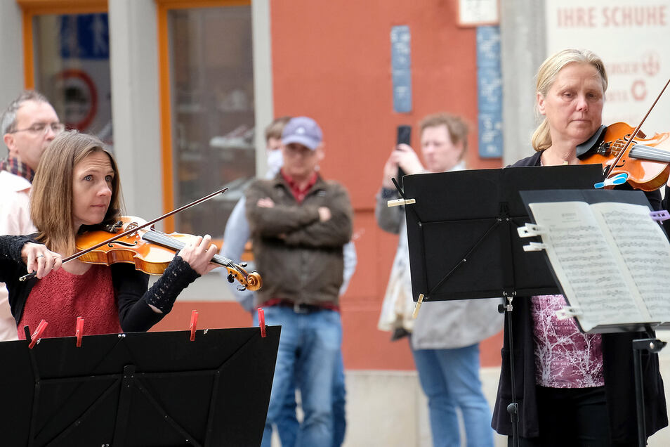 Straßenkonzerte sollen mehr Besucher in die Meißner Altstadt locken.