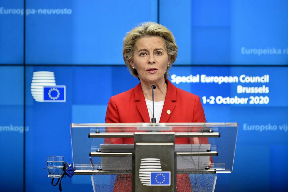 Ursula von der Leyen verkündet als Präsidentin der Europäischen Kommission das Ergebnis des EU-Sondergipfels.