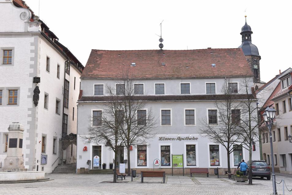 Hier im Nachbargebäude des Rathauses sollen künftig Bauamt und Finanzabteilung einziehen. Die Planung beginnt jetzt.