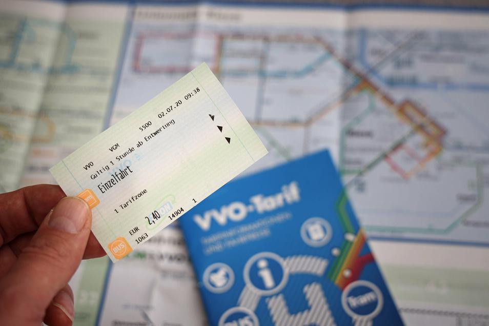 Noch kostet die Einzelfahrt 2,40 Euro, doch bald steigen beim VVO die Preise.