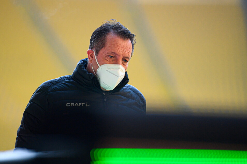 Dynamos Trainer Markus Kauczinski hat schon wieder Corona-Sorgen.