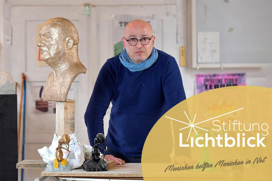 Der aus Italien stammende Bildhauer Sandro Porcu in seinem Atelier in Kirschau.
