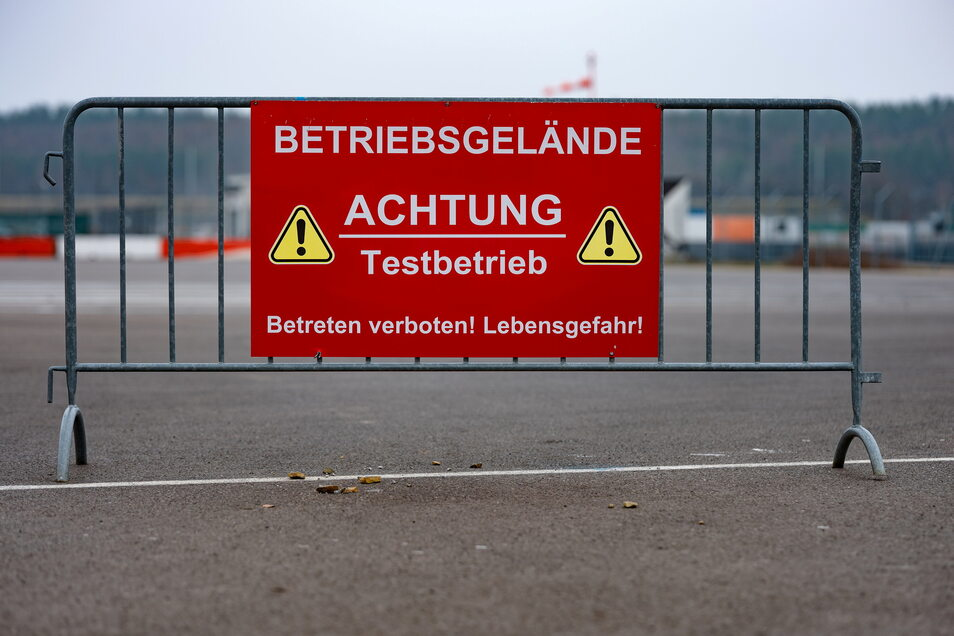 Testfahrten gehören für den Betreiber Dekra zum Kerngeschäft auf dem Lausitzring. Foto: Th. Kretschel