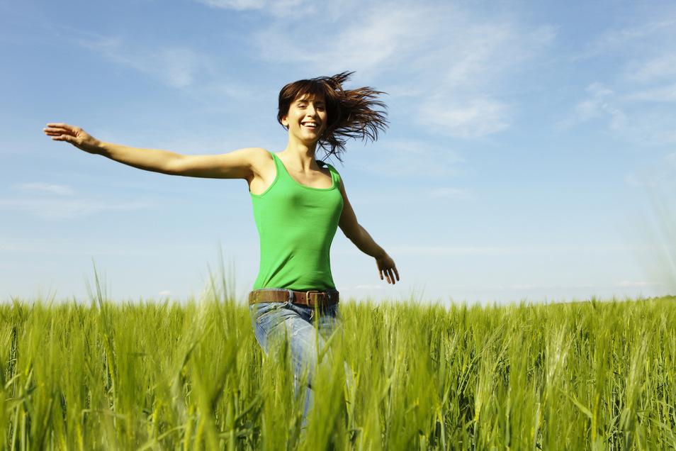 Sie wollen leicht in den Sommer starten? Dies funktioniert am besten mit gesunder Ernährung und ausreichender Bewegung.