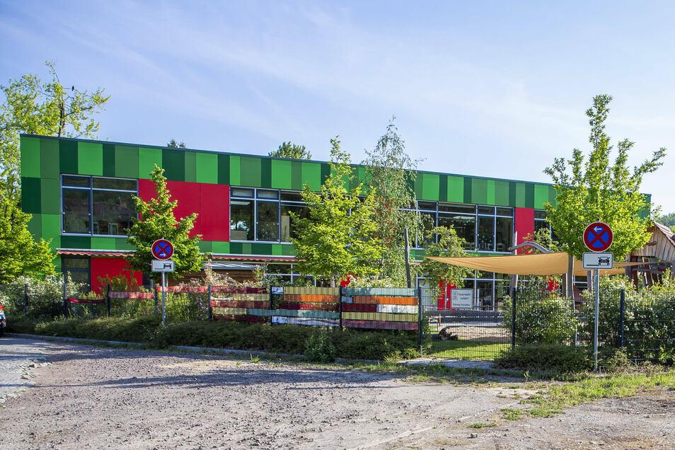 An der Albert-Schweitzer-Straße neben der Kita Storchenbrunnen soll ein baugleiches weiteres Gebäude errichtet werden.