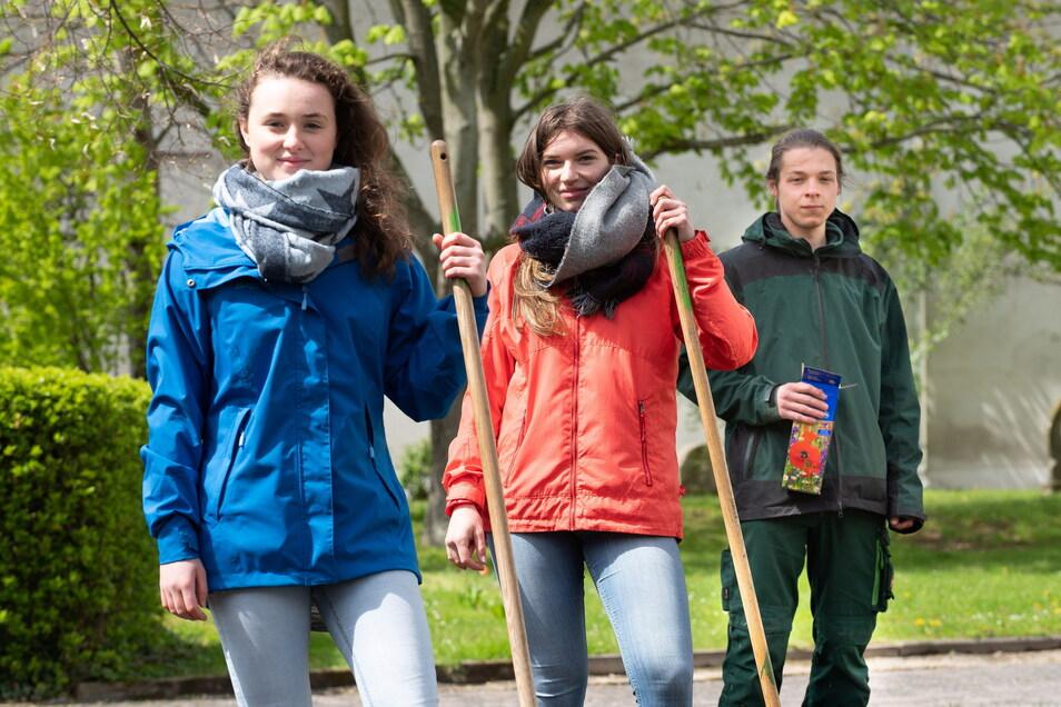 Johanna, Julia und Lino lernen an der Berufsschule in Altroßthal. Sie mögen den dörflichen Charakter des Standortes, der aber dringend saniert und erweitert werden muss.