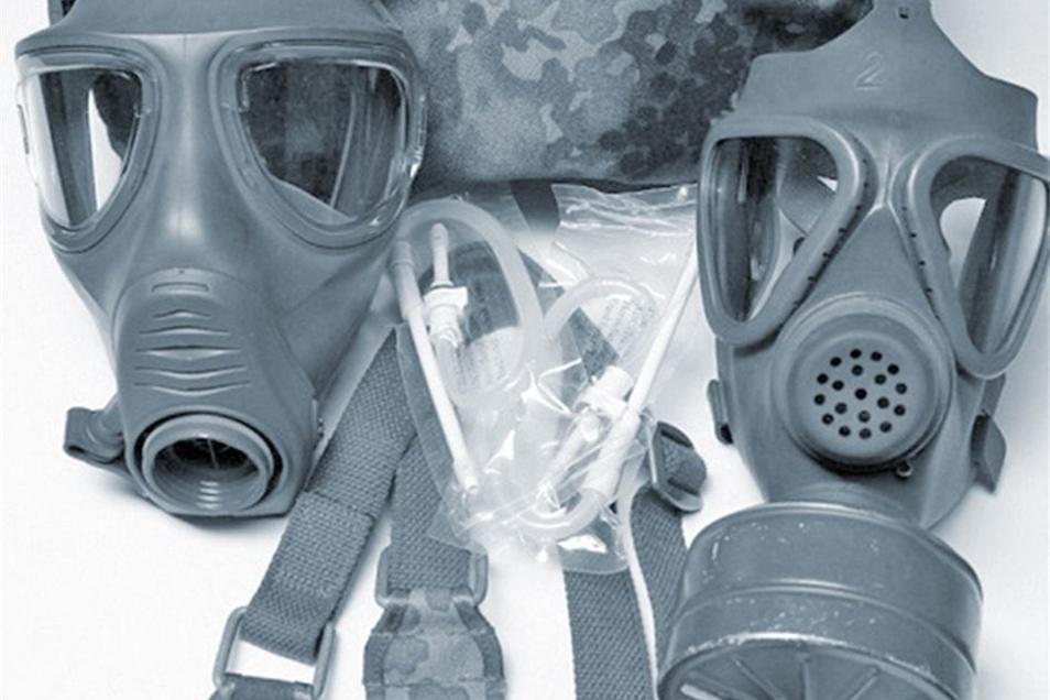 Auch Gasmasken wurden gefunden.