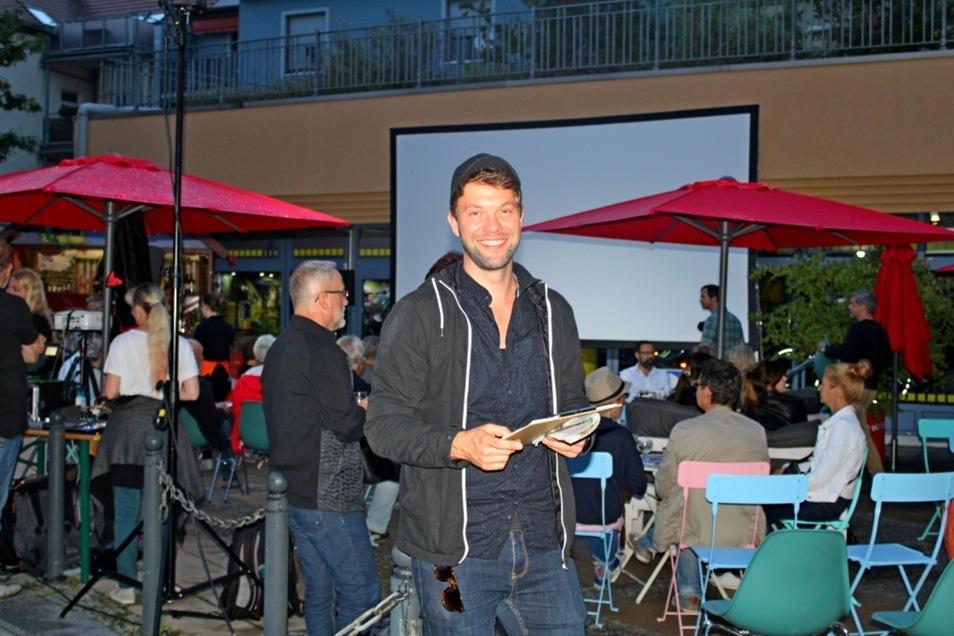 """Für die Initiative """"film.land.sachsen"""" wurde ein vielfältiges Programm zusammengestellt, das am Freitagabend in der Sommerlounge in Hoyerswerda präsentiert wurde. Filmemacher und Regisseur Erik Schiesko war auch dabei."""