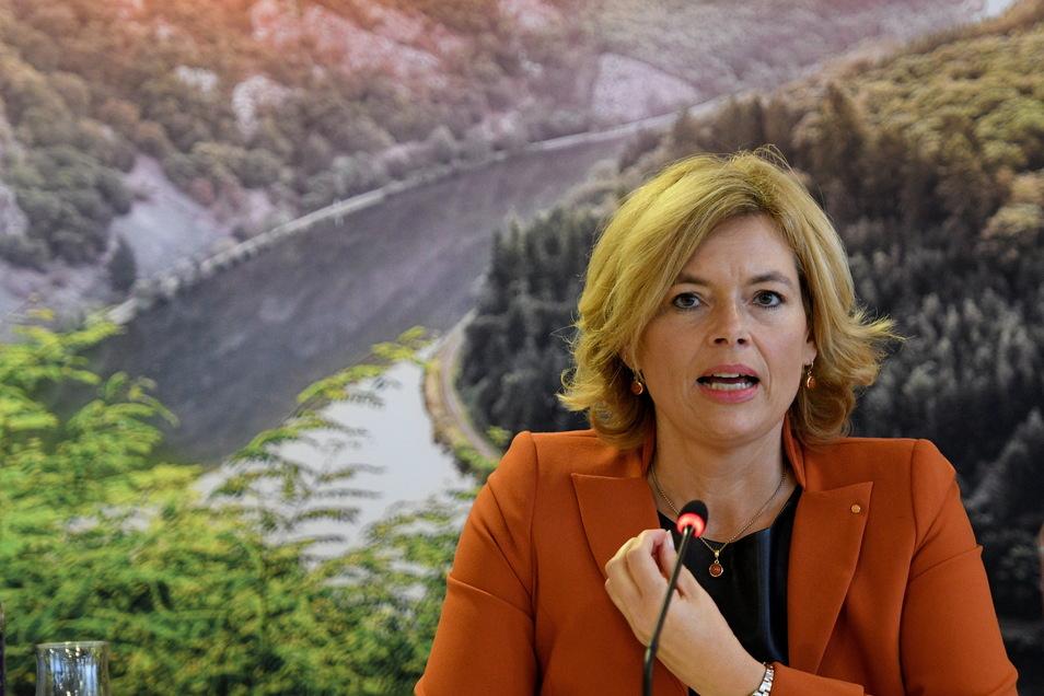 Bundeslandwirtschaftsministerin Julia Klöckner (CDU) musste beim Agrar-Kompromiss Zugeständnisse machen. Die Ost-Minister verhinderten, dass Subventionen für Großbetriebe gekappt werden.