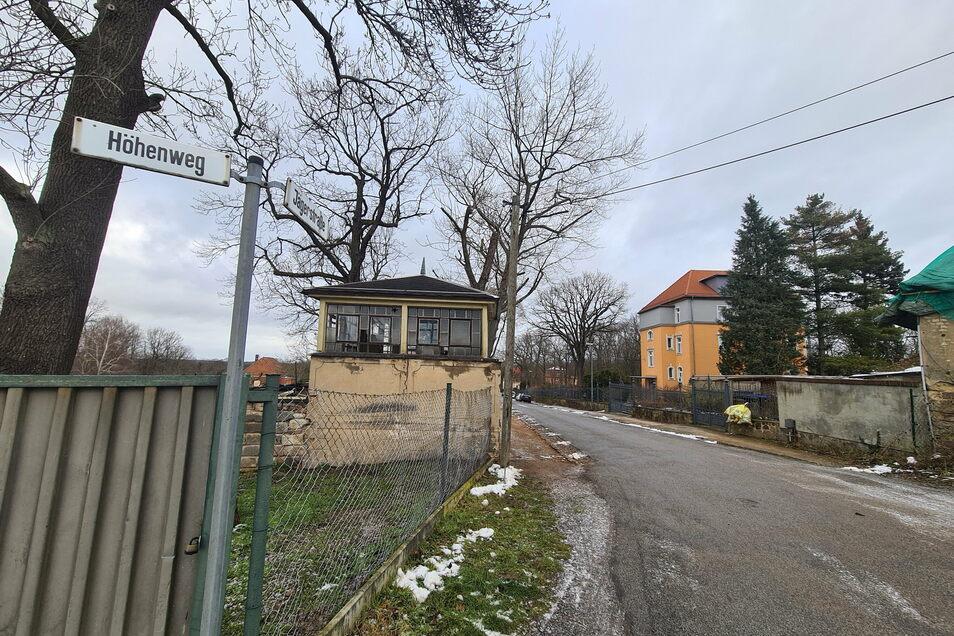 Es gibt noch Lücken an der Jägerstraße oberhalb vom Lößnitzgrund in Radebeul-Lindenau.