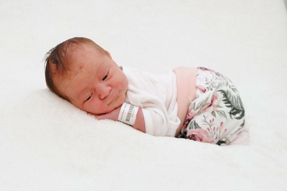 Mathilda, geboren am 6. Juli, Geburtsort: Meißen, Gewicht: 3.585 Gramm, Größe: 53 Zentimeter, Eltern: Aileen Kretzschmann und Stephan Damm, Wohnort: Coswig