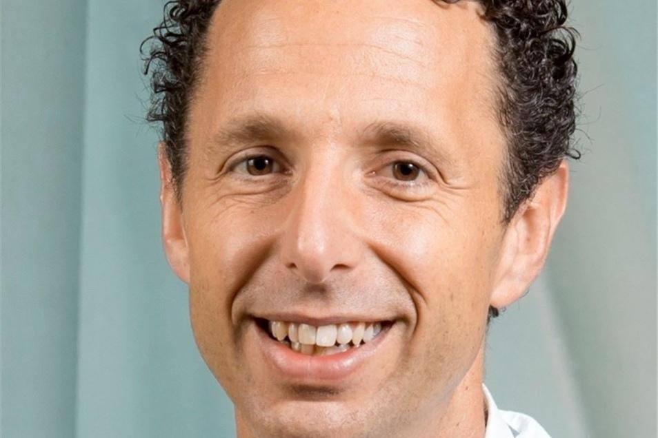 Prof. Dr. med. Wolfgang Schneiders leitet nun die Kliniken in Riesa und Meißen. Damit geht ein Strukturwechsel einher.