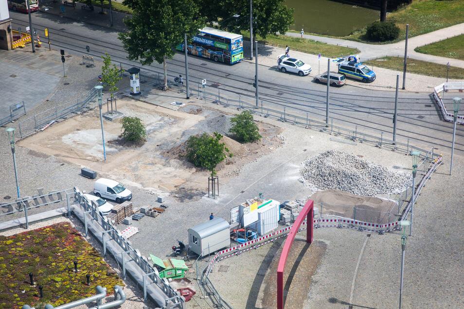 Ausgebaut wird derzeit der Platz vor dem Schauspielhaus. Er wird ein Teil des Promenadenrings um die Altstadt.