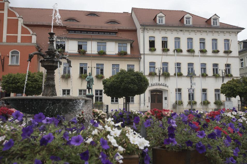 Das Pulsnitzer Rathaus soll städtisch bleiben.
