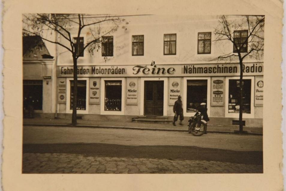 Von 1937 bis 1949 befand sich der Laden in der Wehrstraße 1.