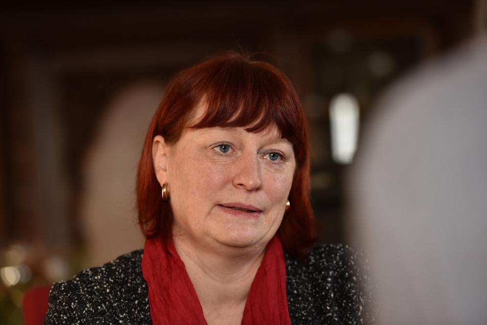 Besorgt blickt die Dippoldiswalder Oberbürgermeisterin Kerstin Körner (CDU). Als Chefin des städtischen Krisenstabs trägt sie eine große Verantwortung.