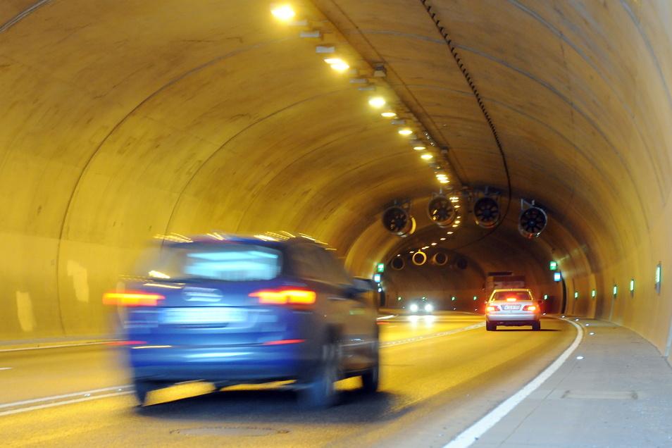 Der Meißner Schottenbergtunnel verfügt über sehr komplexe Sicherheitssysteme. Die werden einmal im Jahr gründlich durchgeprüft. Jetzt ist es wieder soweit.