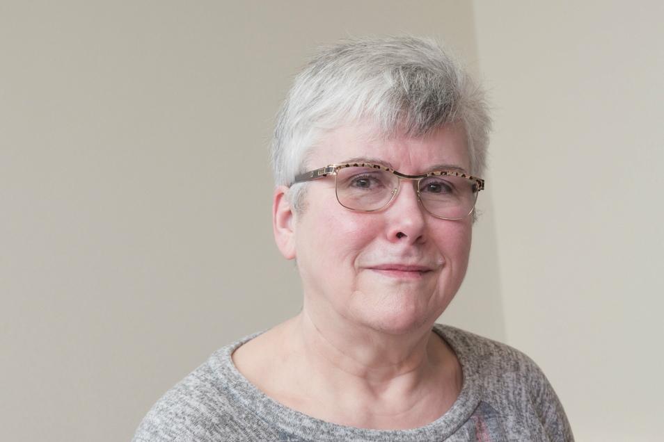 Fast 37 Jahre lang war Karin Proschwitz Bibliotheksleiterin in Riesa. Nun geht sie in den Ruhestand.