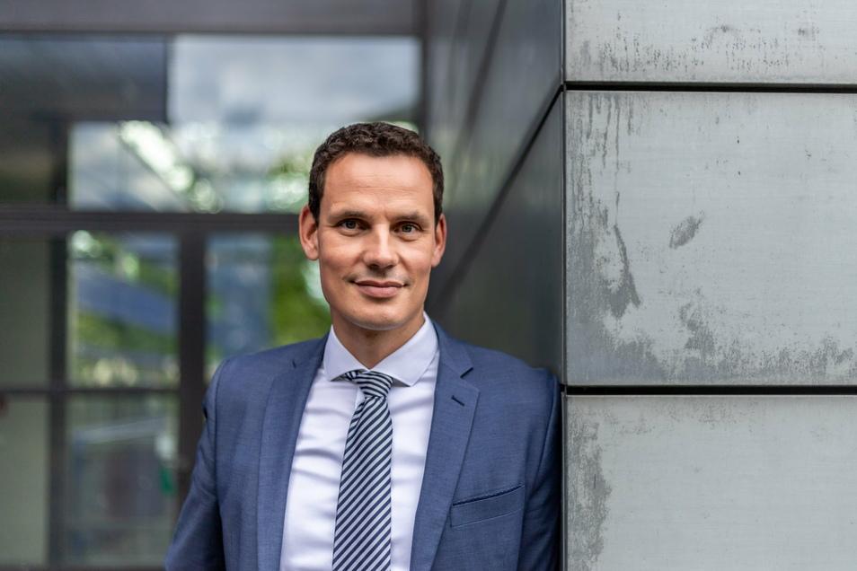 Erik Hahn ist Professor für Zivilrecht, Medizinrecht, Wirtschafts- und Immobilienrecht an der Hochschule Zittau/Görlitz.