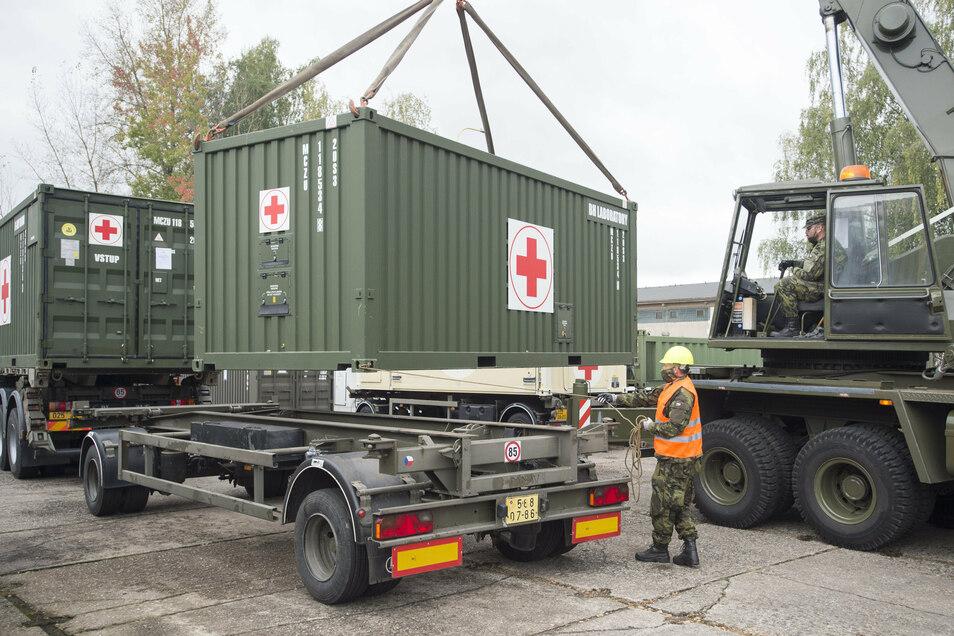 Die tschechische Armee hat am Wochenende mit den Vorbereitungen für den Aufbau eines Feldkrankenhauses auf dem Prager Messegelände begonnen.