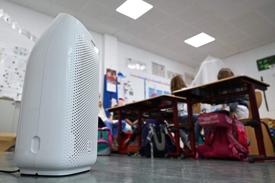 Es gibt viele verschiedene Luftfilteranlagen, die in Klassenzimmern zum Einsatz kommen könnten.
