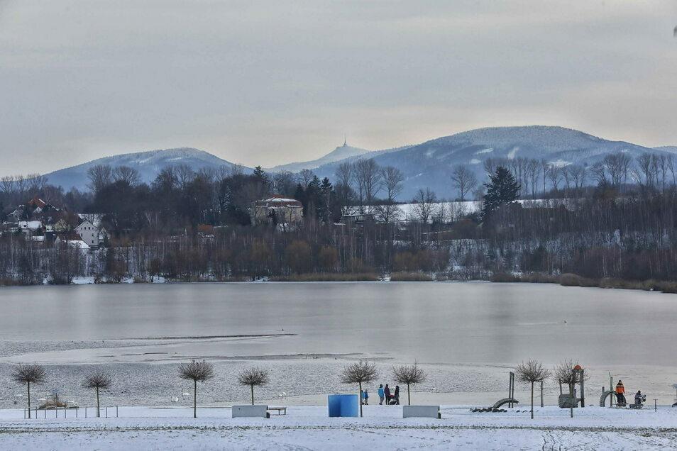 Winterstimmung am Olbersdorf See. Von Winterschlaf allerdings kann keine Rede sein. Hinter den Kulissen wird gerade Großes geplant.