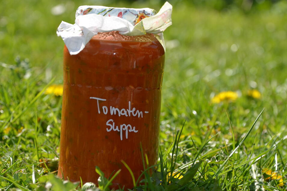 Die eingeweckte Tomatensuppe ist besonders beliebt.