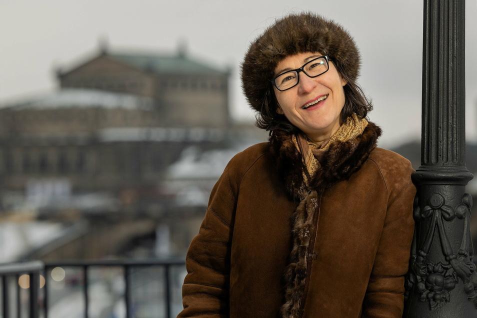 Christine von Brühl auf der berühmten Dresdner Terrasse, benannt nach ihrer Familie.