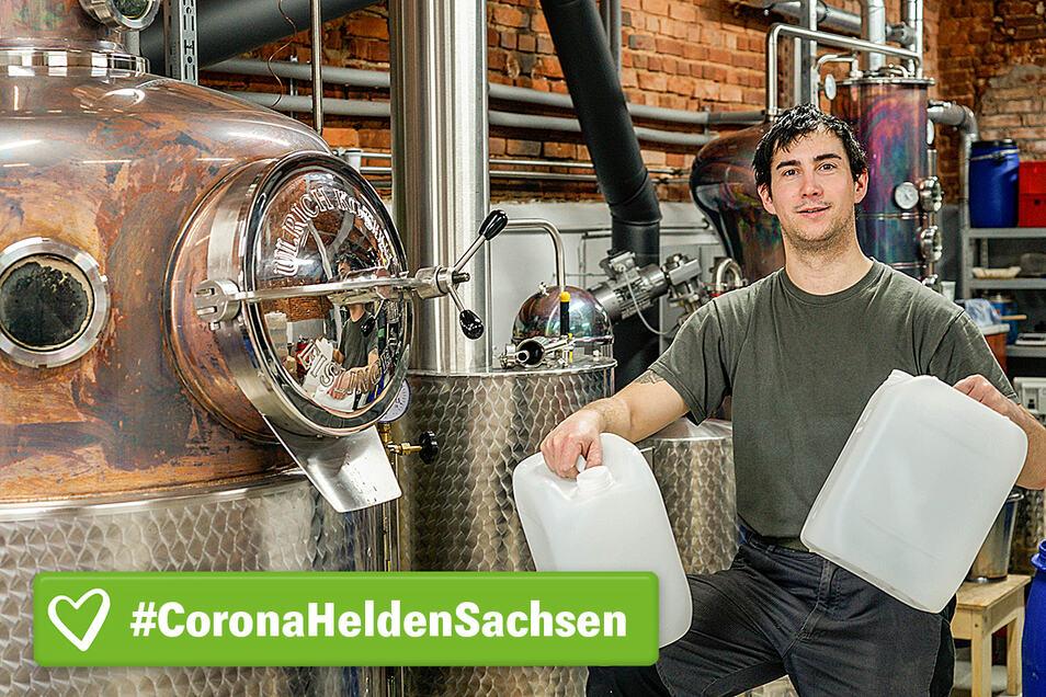 Martin Wagner aus Kirschau hat seine Produktion umgestellt. Statt Whisky brennt er in diesen Tagen Neutralalkohol für medizinische Zwecke.