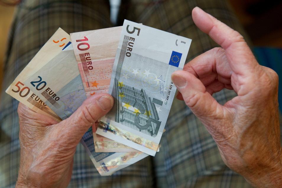 Der Verein für Direktversicherungsgeschädigte lädt zum Infotreffen nach Laußnitz ein. Für Betroffene geht es um viel Geld.