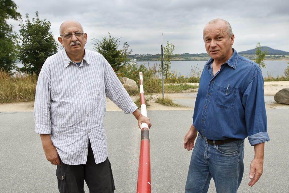 Das Foto entstand 2013. Heute sind Bernhard Trott (l.) und Dietmar Stope, die Eigentümer des Oberhofes in Deutsch Ossig, im Rentenalter.