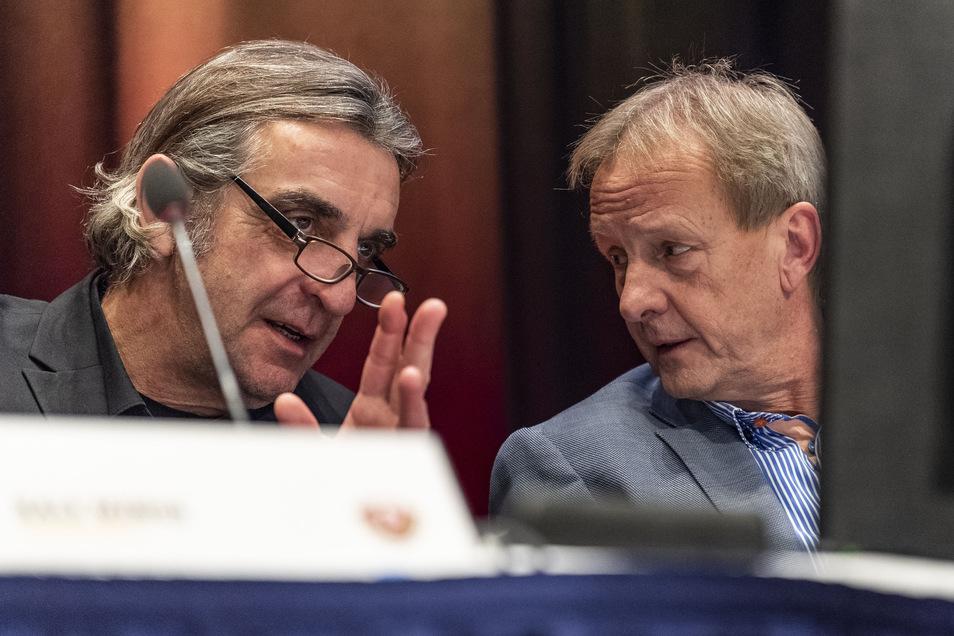 Dynamos Sport-Geschäftsführer Ralf Minge (l.) und der Aufsichtsratsvorsitzende Jens Heinig. Tragen sie weiter gemeinsam Verantwortung?