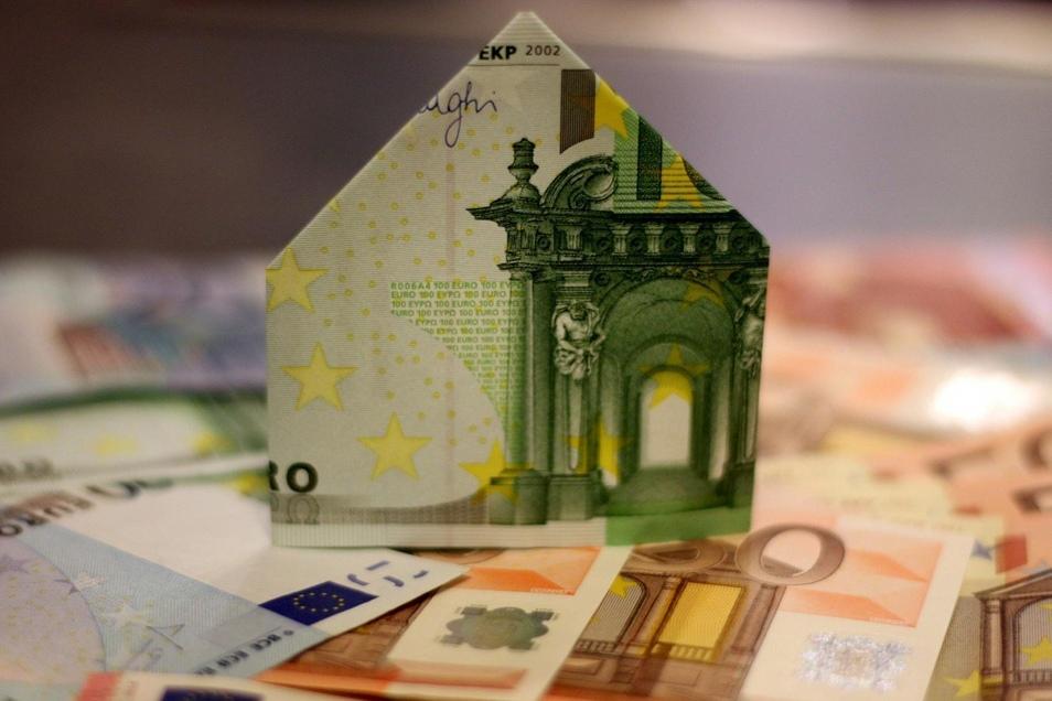 Günstige Kredite können sich für den Hausbau oder den Umbau des Eigenheims eignen.
