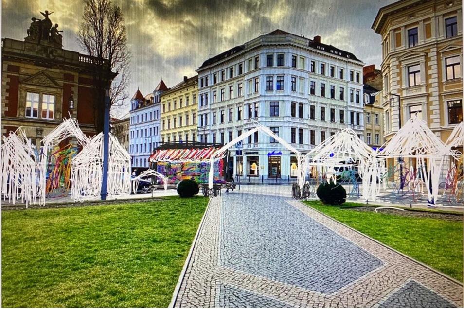 So könnte der neue Weihnachtsmarkt mit Pagoden auf dem Görlitzer Postplatz aussehen. Darüber hinaus soll es eine Bühne geben und zwischen den Pagoden auch ein paar herkömmliche Weihnachtsmarkt-Hütten.
