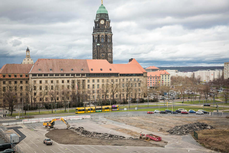 Hier entsteht das neue Verwaltungszentrum. Im Boden könnten noch Bomben liegen.
