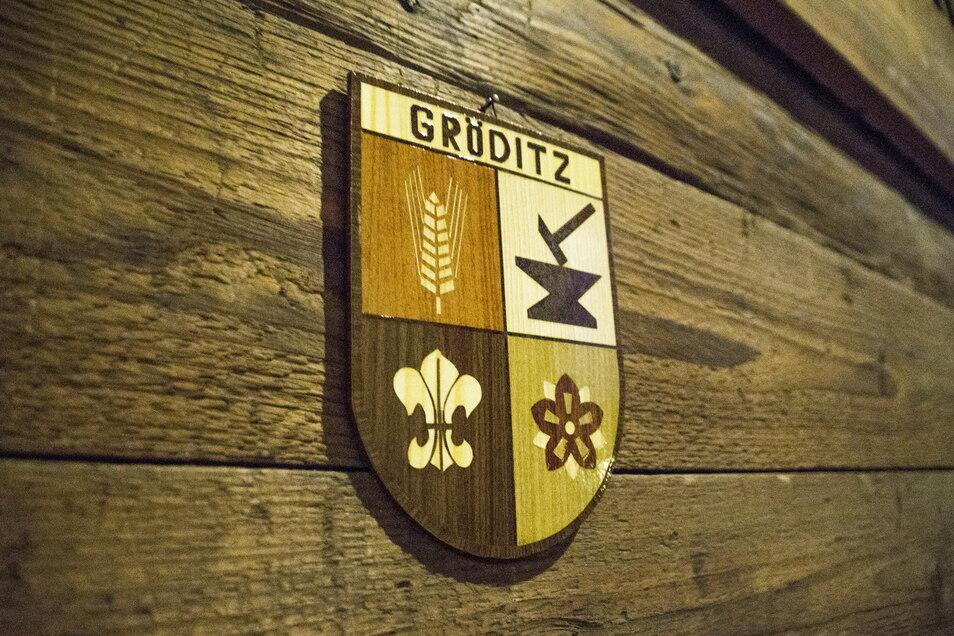 Von wegen hölzern: Die Stadt Gröditz hat ihren Internetauftritt überarbeitet. Doch die langjährige Domain funktioniert nicht.