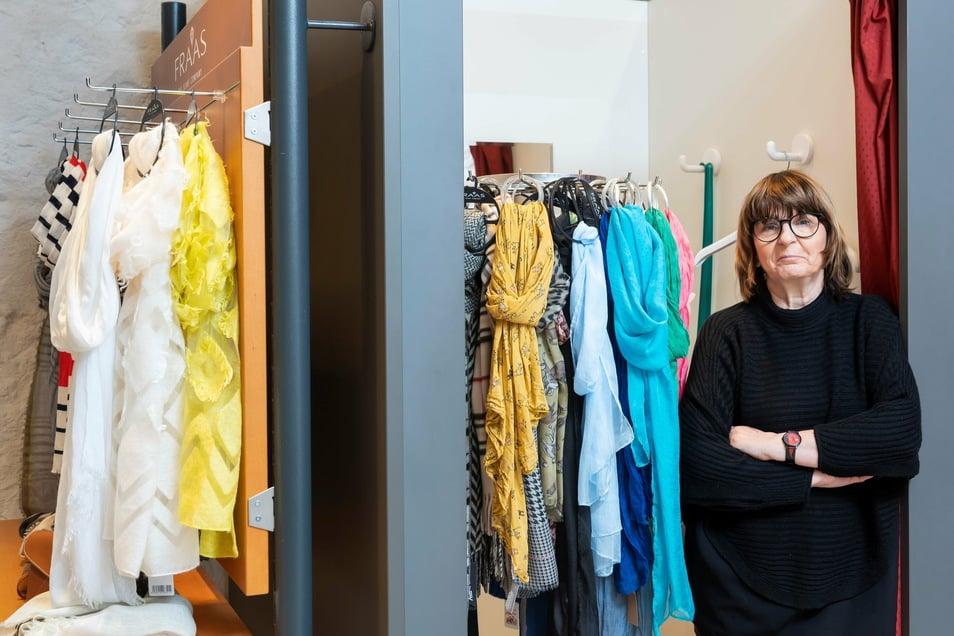 """""""Hätte nie gedacht, dass ich nach zwei Hochwassern noch so was erlebe."""" Ute Rietzschel, 63, betreibt eine Frauen-Boutique in Pirna"""