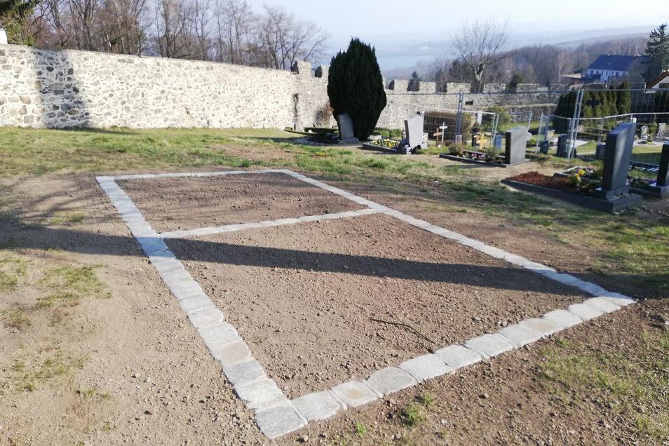 Gemeinschaftsurnengrabfeld auf dem Friedhof Jauernick-Buschbach