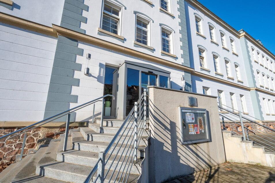 Im Haus am Poppitzer Platz sind das Riesaer Stadtmuseum und die Bibliothek untergebracht. Jetzt kehrt dort endlich wieder mehr Leben ein.