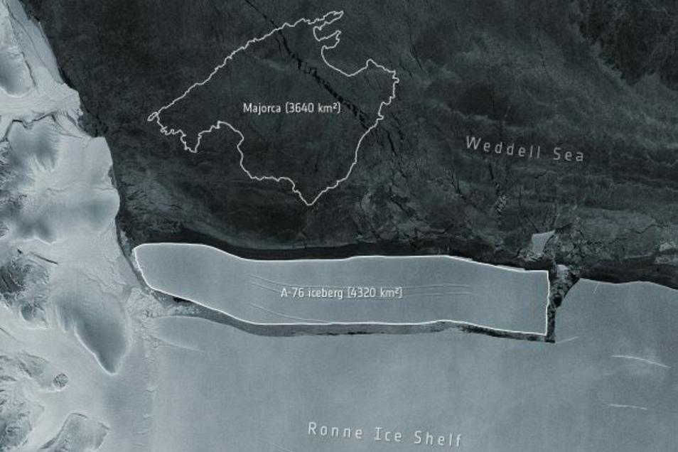 Ein Satellitenbild der ESA zeigt den abgebrochenen Eisberg im Verhältnis zur spanischen Insel Mallorca.