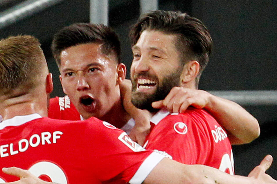 Brandon Borello (r.) war letzte Saison vom SC Freiburg an Zweitligist Fortuna Düsseldorf ausgeliehen.