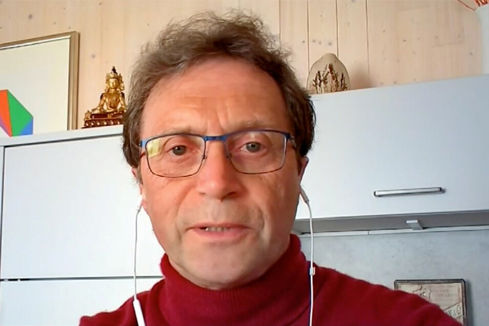 """Dr. Gerhard Scheuch, Physiker und Aerosolexperte: """"Jedes Treffen in Innenräumen ist gefährlich."""""""
