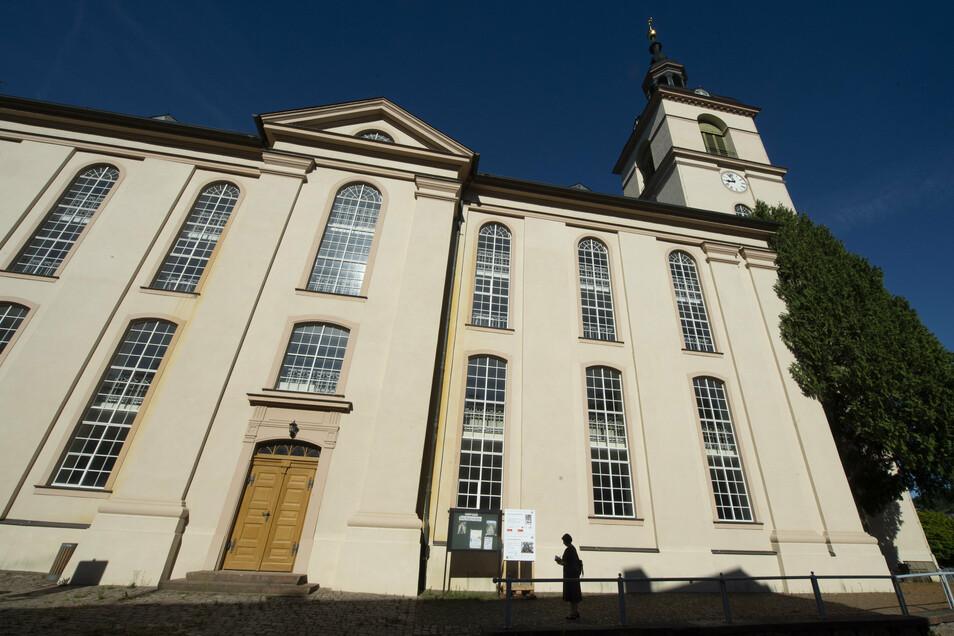 Außen ist die Waldheimer Stadtkirche St. Nikolai schon seit längerem schmuck.