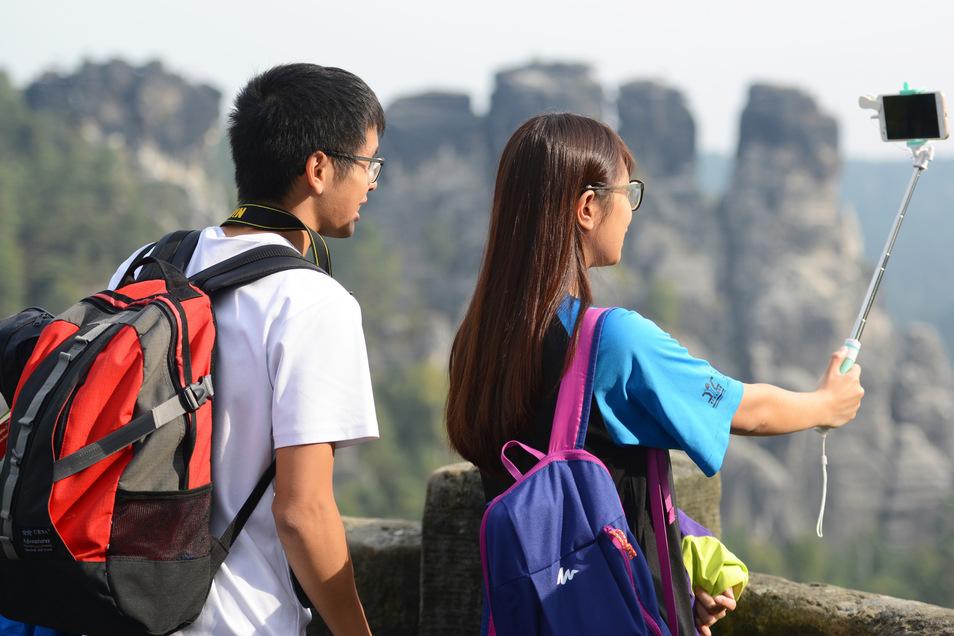 Die Bastei gehört zu den Touristenmagneten in der Sächsischen Schweiz. Die Region konnte letztes Jahres ein Touristenplus von fast zehn Prozent verbuchen.