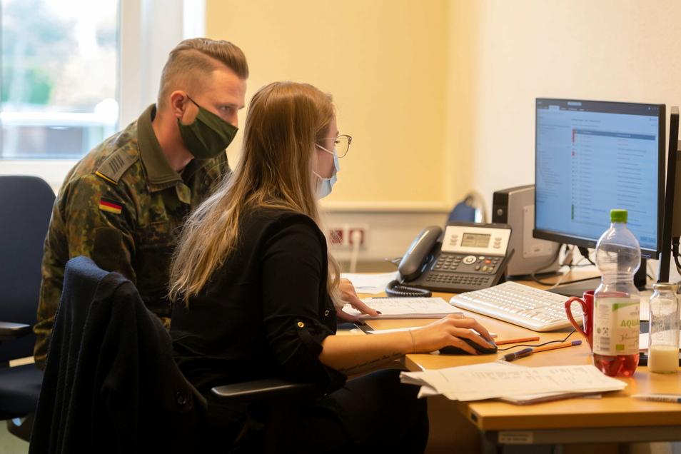 Seit November helfen Soldaten der Bundeswehr im Bautzener Gesundheitsamt vor allem bei der Nachverfolgung von Kontaktenpersonen Corona-Infizierter.