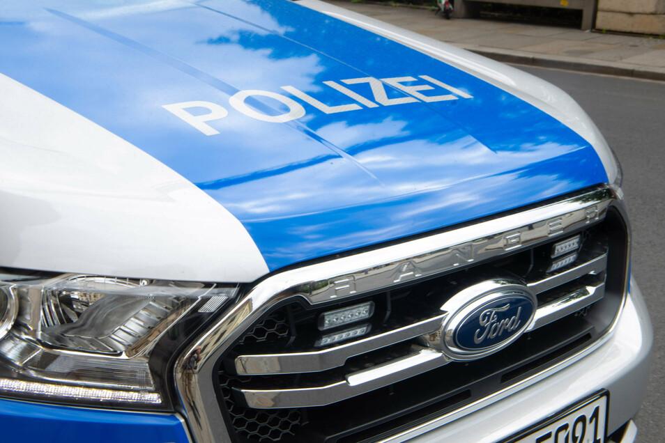 In Dresden-Prohlis kam es zu einer Auseinandersetzung. Mehrere Personen gingen dabei aufeinander los. Die Polizei ermittelt.
