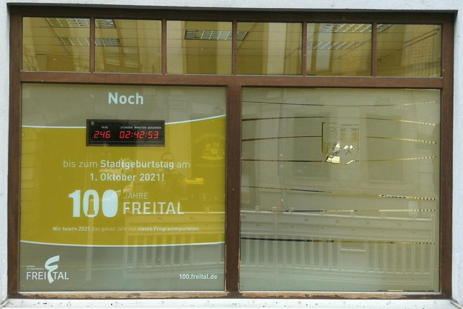 Das Schaufenster des Projektbüros neben dem Rathaus Potschappel ist nicht zu übersehen.