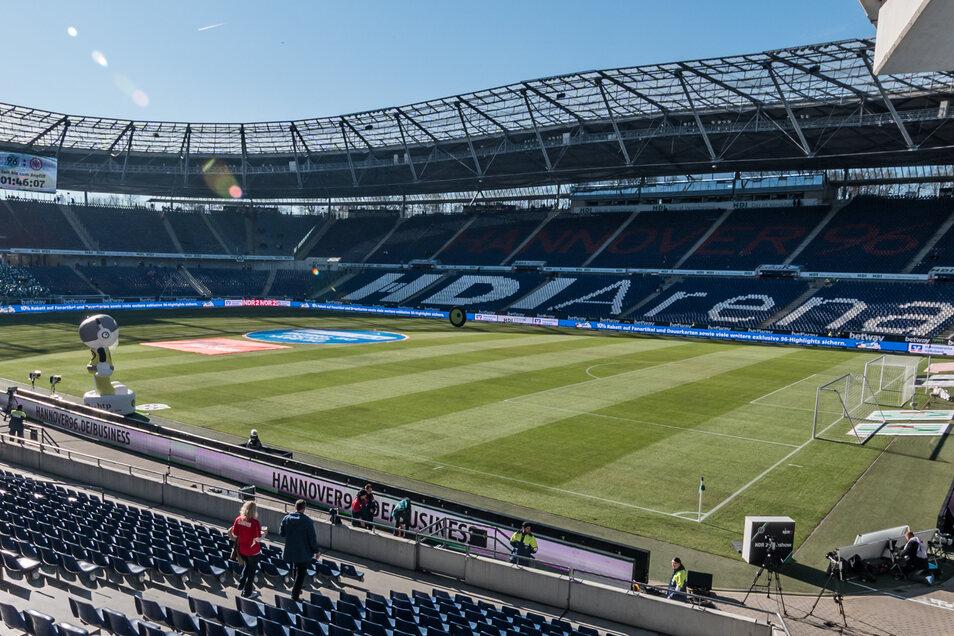 Die HDI-Arena bleibt am Sonntag komplett leer – auch auf dem Rasen. Die beantragte Spielabsage ist seit Freitagvormittag bestätigt.