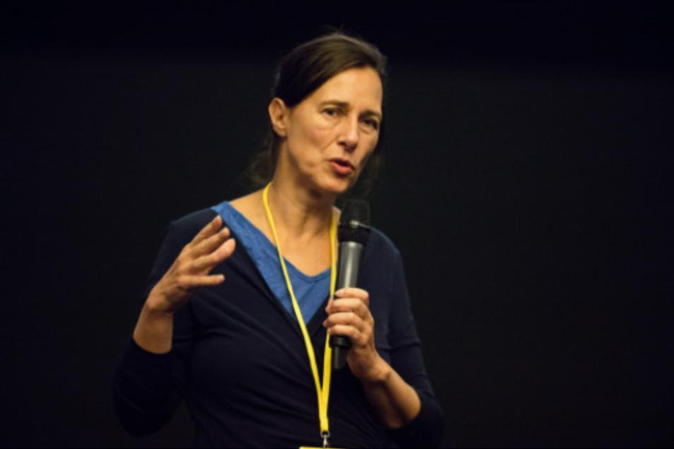 Cornelia Klauß stellte das Filmfest-Programm zusammen. Sie hat in der DDR Filmwissenschaft studiert, selber Filme gedreht, ist Kuratorin und Buchautorin und Referentin an der Berliner Akademie der Künste.